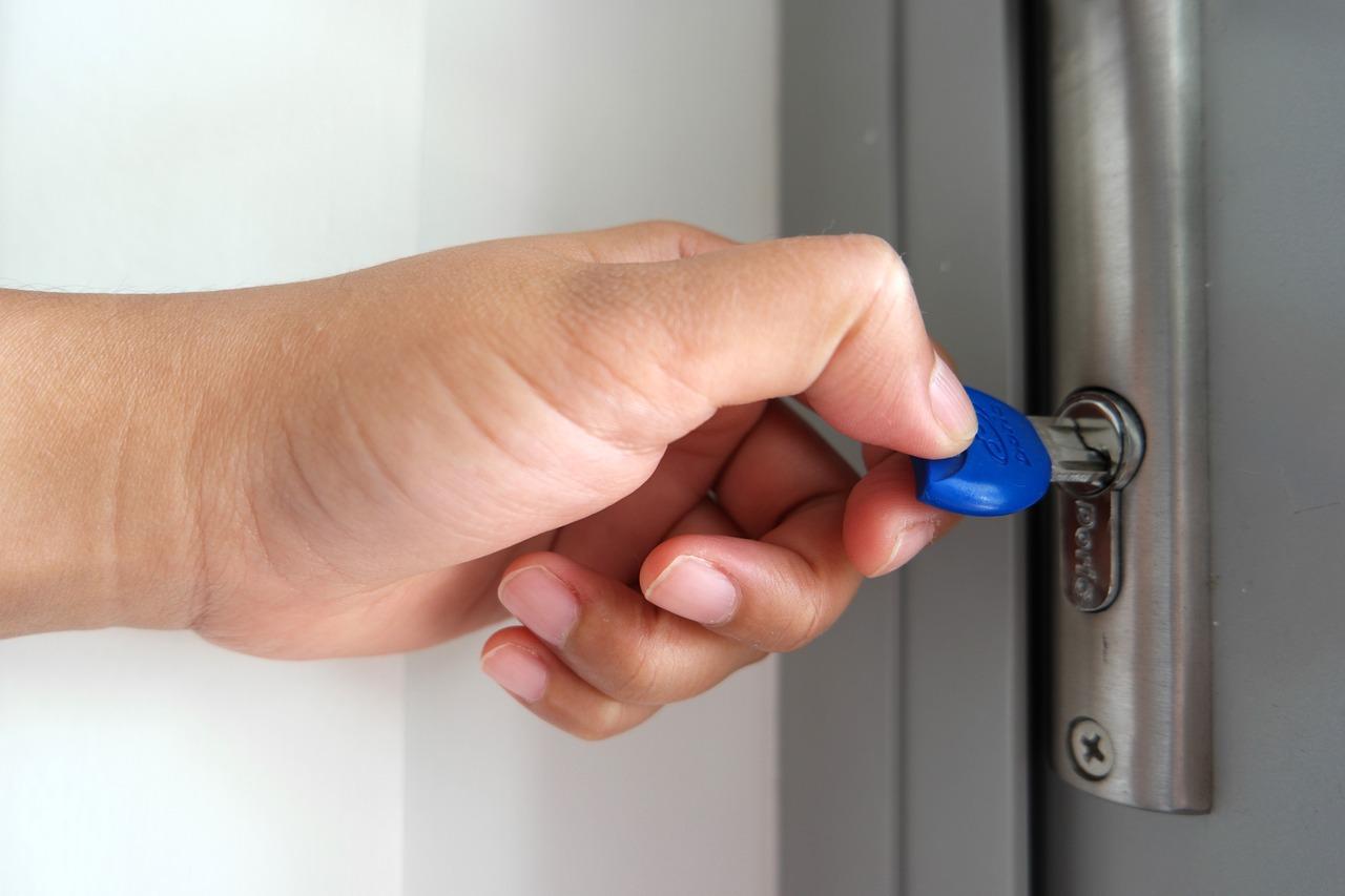 Avantages et inconvénients d'une porte en PVC
